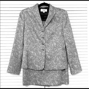 Le Suit 2 Piece Women's Skirt Suit In Size 8P
